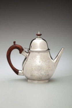 Teapot attributed to Kiliaen Van Rensselaer (1663-1719), Albany or Watervliet, NY, ca. 1695